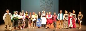 El grupo de teatro Metamosfosis actúa en el teatro Villa de Molina